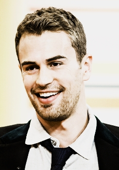 my smiling sexy Theo James<3