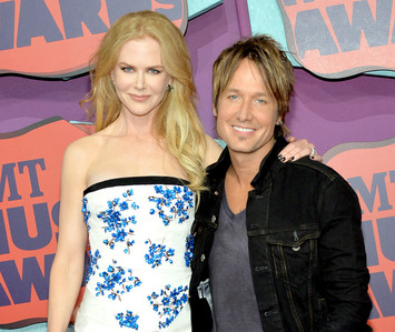 Keith Urban and his tall,beautiful wife Nicole Kidman<3