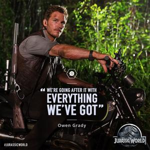 Chris Pratt from Jurassic World with words<3