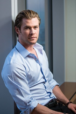 my yummy Aussie,Chris,who I've liked since seeing him in Snow White and The Huntsman in 2012<3