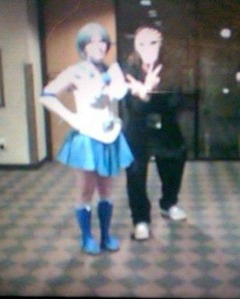 Here is a picture of a Sailor Mercury Cosplayer i got a picture of from the Konichiwa Con Convention center back in March 2015. And that is a picture of me Cosplaying as Ichigo Kurosaki from Bleach Anime. Sorry the picture is blurry. That is the way to do a Sailor Mercury Cosplay from Sailor Moon. I hope this helps you. :-) Just go to the link and pick whichever Sailor Mercury Cosplay u wan't to have from Amazon.com Link ---------> http://www.amazon.com/s/ref=a9_asi_1?rh=i%3Aaps%2Ck%3Asailor+mercury+cosplay&keywords=sailor+mercury+cosplay&ie=UTF8&qid=1435795710