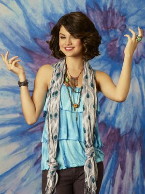 http://www.celeber.ru/photo/selena-gomez/2639/ https://www.flickr.com/photos/43974731@N05/4069262224/