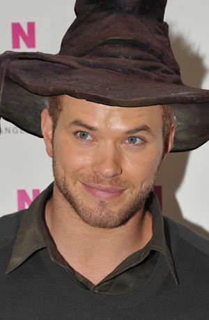 Kellan in the HP sorting hat.Hmm,which house will the sorting hat put him in?