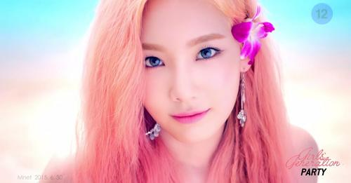 1. Taeyeon (Gorgeous, I upendo her pink hair) 2. Yoona (Pretty, her blond hair is perfect) 3. Seohyun (Pretty) 4. Hyoyeon (Pretty) 5. Yuri (Pretty) 6. Sunny (pretty, like a mermaid) 7. Tiffany (nice, but always the same look, I want something new) 8. Sooyoung (It looks good but I do not like her short hair)