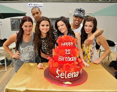 mine: http://www.lazygirls.info/Selena_Gomez/Birthday_Cake_g9MmFTgI http://www.justinbieberzone.com/2012/07/justin-bieber-makes-selena-gomez-cry-at-her-20th-birthday-party/