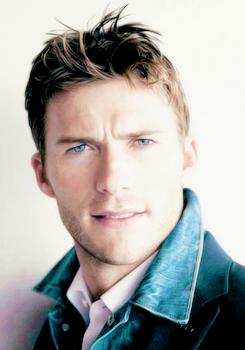 Scott's beautiful eyes<3