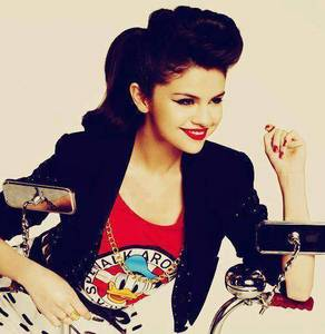 Here https://urbanasian.files.wordpress.com/2013/04/selena-gomez.jpg http://images.sugarscape.com/userfiles/image/MARCH2011/Amy/LIPSselena.jpg http://she12.com/uploads/2011/08/Selena-Gomez-Magazine-September-2011-Red-Lipstick-Glamour-Sunglasses-5.jpg http://www2.pictures.stylebistro.com/gi/The+2013+ESPY+Awards+Arrivals+Lr9z82WMZxkx.jpg https://s-media-cache-ak0.pinimg.com/736x/5d/2a/a9/5d2aa9ec2bb1a740a8379fb54a450fe8.jpg