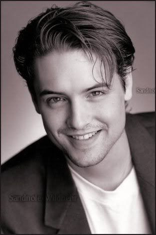 Eric Matthews is my 2nd favorito character in Boy Meets World after Shawn Hunter. :)