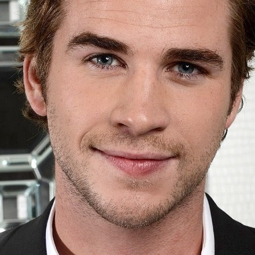 a stunning closeup of Liam<3