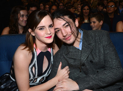 Emma and Ezra :) http://ezra-unf-miller.tumblr.com/post/35124124463/omg-omg-omg-guys-i-just-realized-this-now-some-of http://www.redcarpet-fashionawards.com/2012/09/07/emma-watson-in-peter-pilotto-2012-mtv-video-music-awards/2012-mtv-video-music-awards-arrivals-3/
