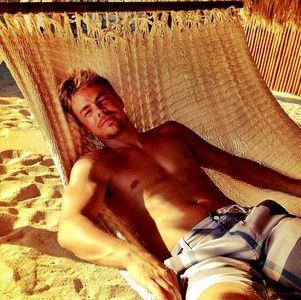 shirtless Hough<3