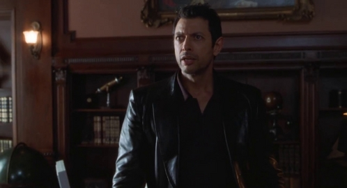 Ian Malcolm from Michael Crichton's <i>The 迷失 World</i>... Awesome.