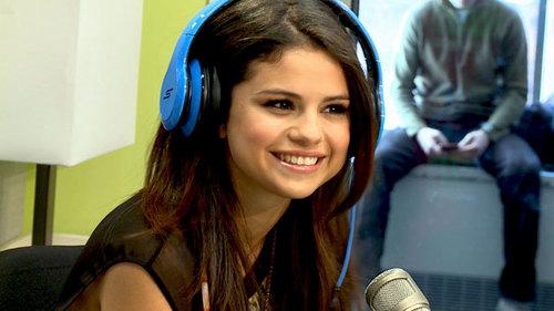Mine http://www.rockpeaks.com/files/imagecache/body/eggs/g/Gomez-Selena/073442-Gomez-Selena-Interview-Late-Show-With-David-Letterman-2011.jpg http://i.ytimg.com/vi/iGUcQptXrE4/maxresdefault.jpg http://img005.lazygirls.info/people/selena_gomez/selena_gomez_interview_at_nrj_radio_in_paris_france_feb_18_2013_6Mw6yb8a.sized.jpg