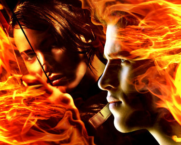 a cool pic of Katniss and Gale,from THG