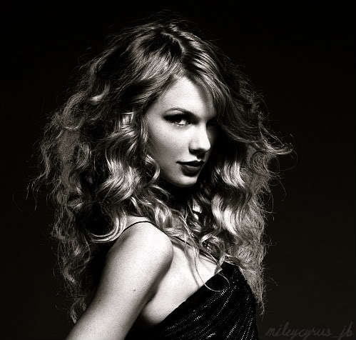 Tay in black and whiteღღ