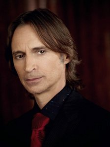 Robert Carlyle :) not exactly a classic beauty,but very interesting