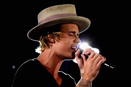 His voice makes me calm <3