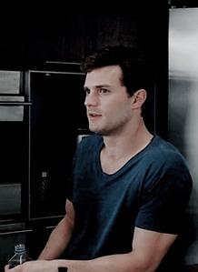 Jamie looking away<3