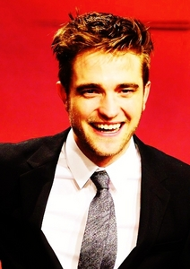 Rob's beautiful pearly whites<3