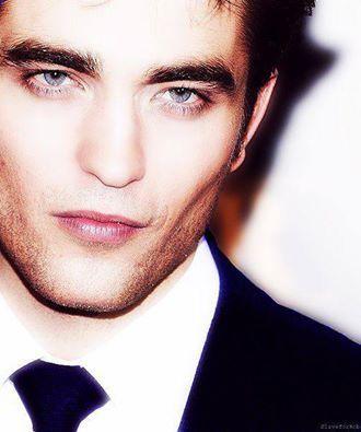 perfect Pattinson brows<3