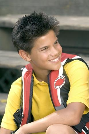 a young,cute Taylor Lautner :)