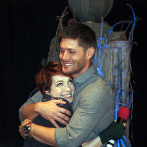 Jensen Ackles and Felicia 일 being nice to each other