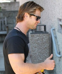 thumbs up for Thor's(Chris Hemsworth) biceps<3