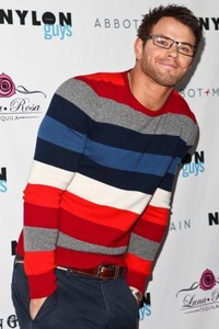 Kellan in glasses<3