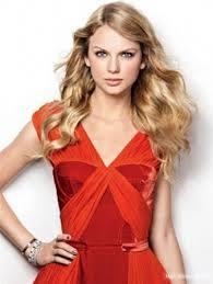 Taylor تیز رو, سوئفٹ in مالٹا, نارنگی isn't she pretty