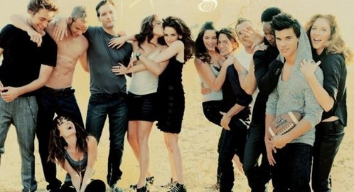 my babe with his Twilight co-stars.Love this pic and the photoshoot<3