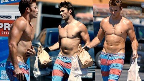 my sexy shirtless Scott<3