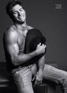 love his strong cowboy arms<3