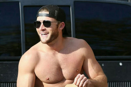 my shirtless Scott<3