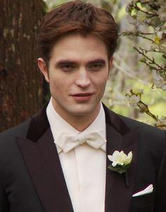 Pattinson with a poppy<3