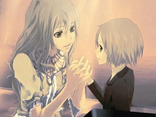 this picture is golden to me. The beautiful bonds between mother and sons.. Lavina and Gokudera Hayato...(The trains feels gonna hit me)