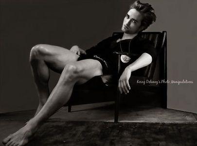 a manip of my babe दिखा रहा है legs<3