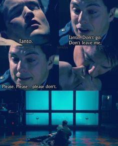 Ianto dies in Jack's arms :(