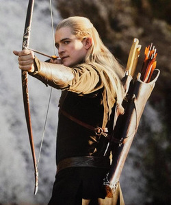 """A badarse frickin bow straight out of LotR. Seriously ever since đọc Ranger's Apprentice I've been obsessed with archery. Especially of the """"I'm riding a moving horse AND shooting a bow at the same time"""" variety."""
