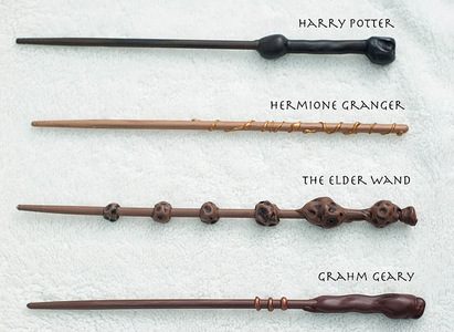 I would 爱情 a wand from Harry Potter It SORTA counts as a weapon