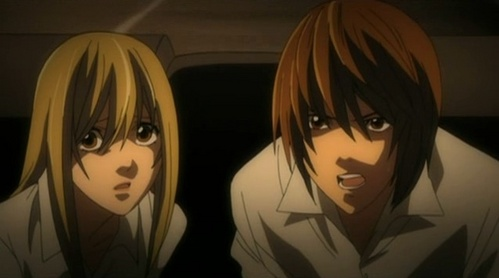 I know that it's debatable whether Light does प्यार Misa या not, but either way he is pretty horrid to her.