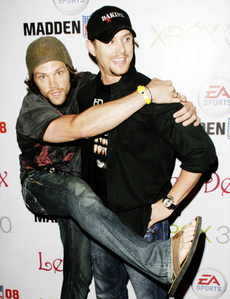 J2 are best friends :)