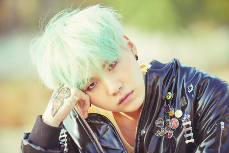 what do you think about this for new Suga ícone or banner*-*