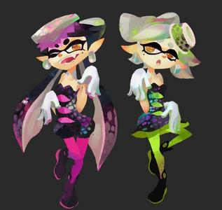 I recently played Splatoon, so I assumed Marie and Callie are the main characters. I'm definitely not screwed because all they do is telling what stages are coming up.