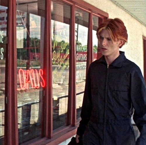 Bowie as Tommy Newton