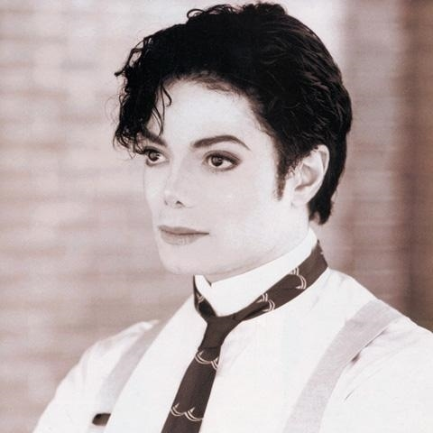 I must say, in my opinion, his HIStory era was sexiest to me, though it's tied with the bad era. It's was too hard to choose! I amor them all!!! XDDD I can tell tu my fav hair styles for MJ were the Jherri Curl, his short hair cut (even though he says he didn't like it because he enjoed his hair hiding his face... so shy... too adorable) and when he was older and he wore the wig/his hair (idk if his real hair o not) all straightened out. very mature looking. very elegant, so him.