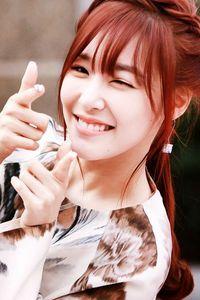 1. TIFFANY Eyesmile 2. Taeyeon 3. Jessica 4. Sunny 5. Yoona 6. Seohyun 7. Hyoyeon 8. Yuri 9. Sooyoung