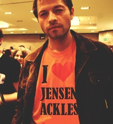 I upendo misha he has a good body but without the abs like J2