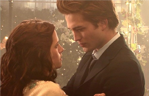 my babe talking to Kristen in a scene from Twilight