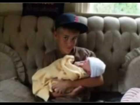 a rare pic of Justin Bieber :)