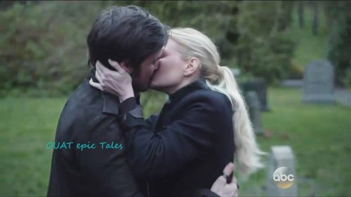 Colin and Jennifer,as their characters Emma and Killian on OUAT having an emotional reunion